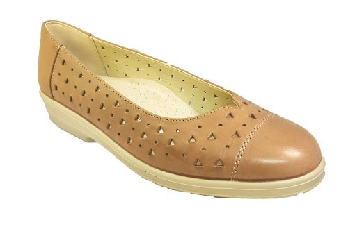 Faye slip on classic look summer ladies shoe from Padders. Nude